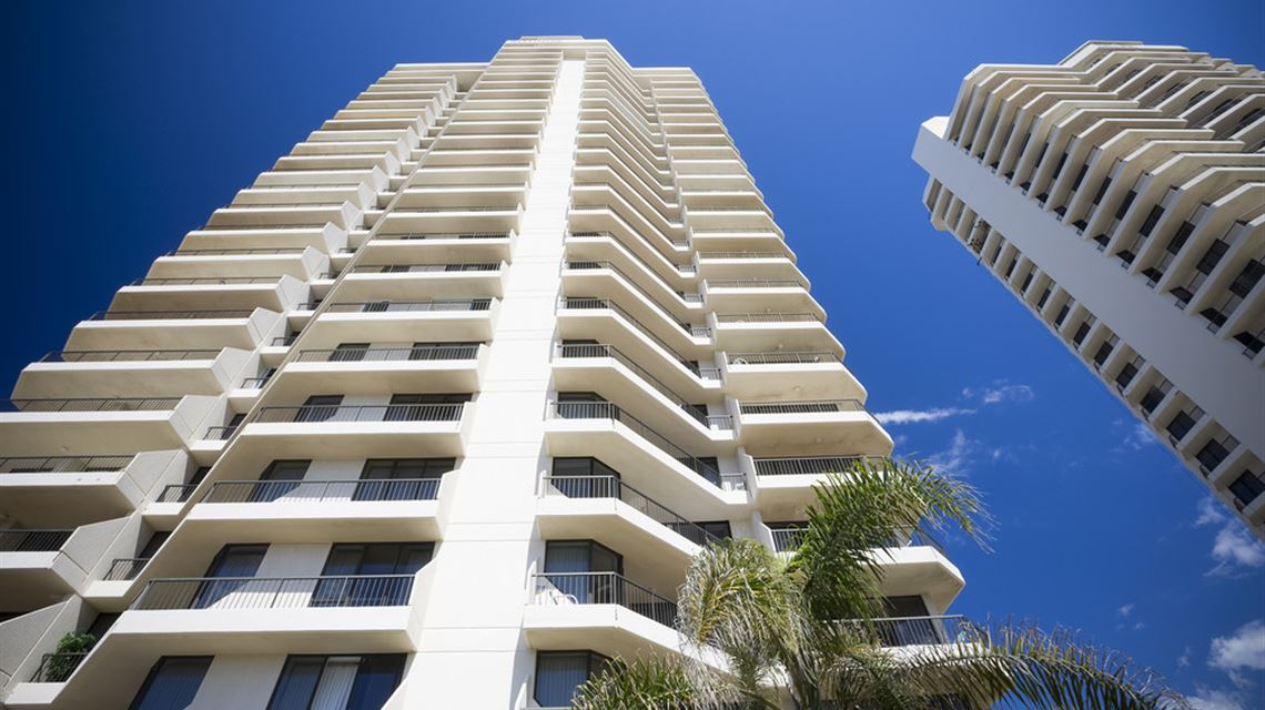 paradise centre apartments surfers paradise accommodation. Black Bedroom Furniture Sets. Home Design Ideas